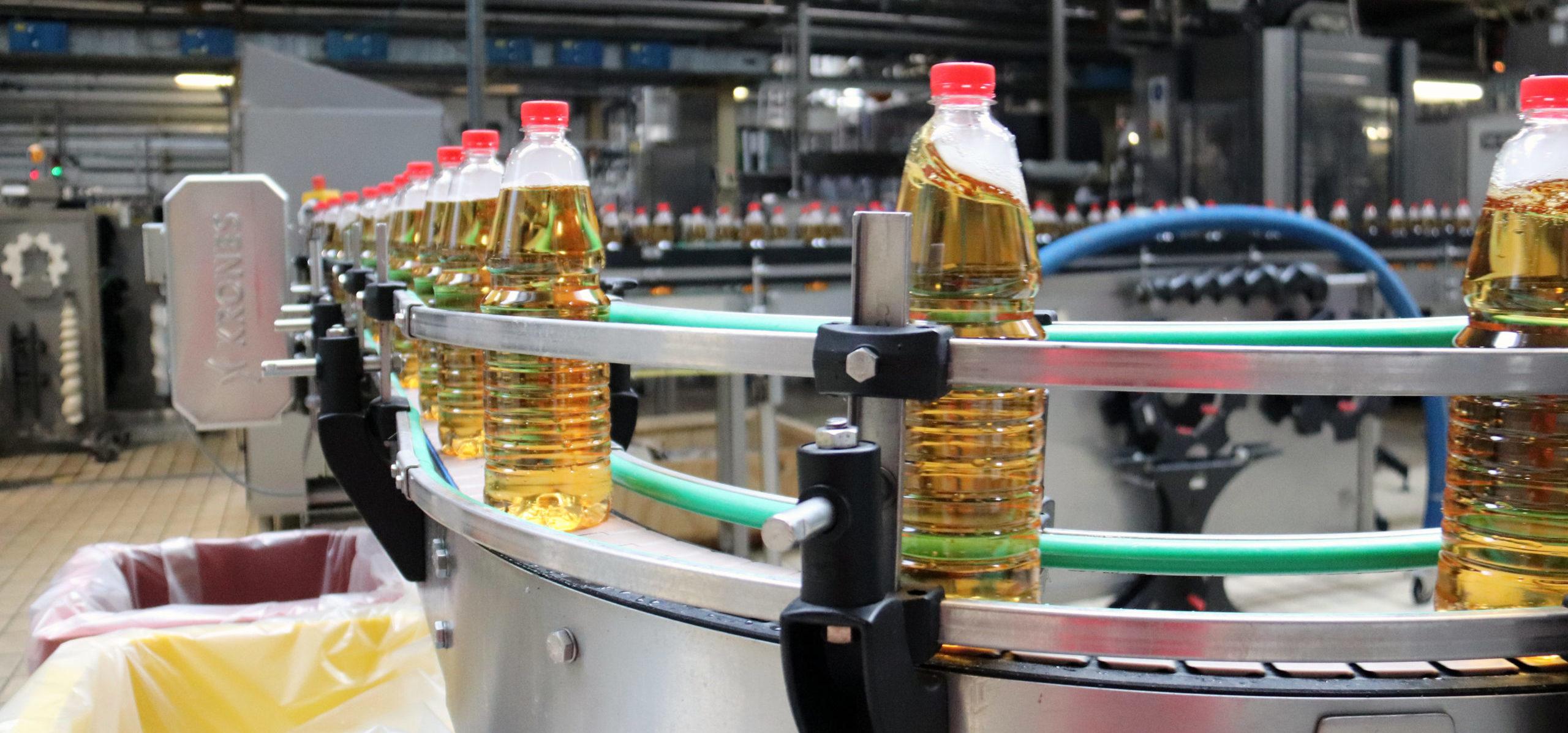Produktionsvorgang in der Lohnabfüllung von Saucen